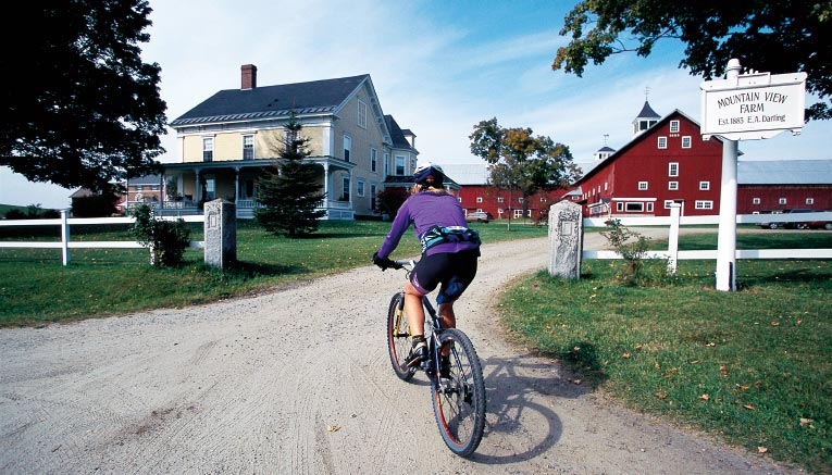Bvqi-vermont-quebec-biking-9